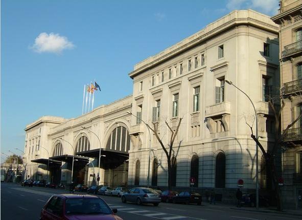 Fachada principal estación de Francia en Barcelona