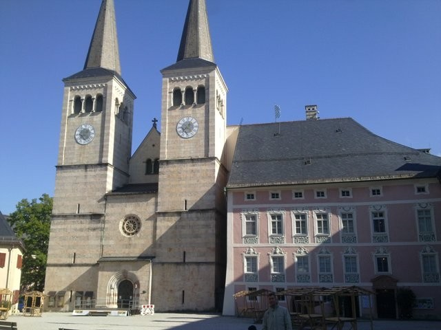 berchtesgaden-alemania-schlo%C3%9Fplatz-plaza-del-castillo.jpg