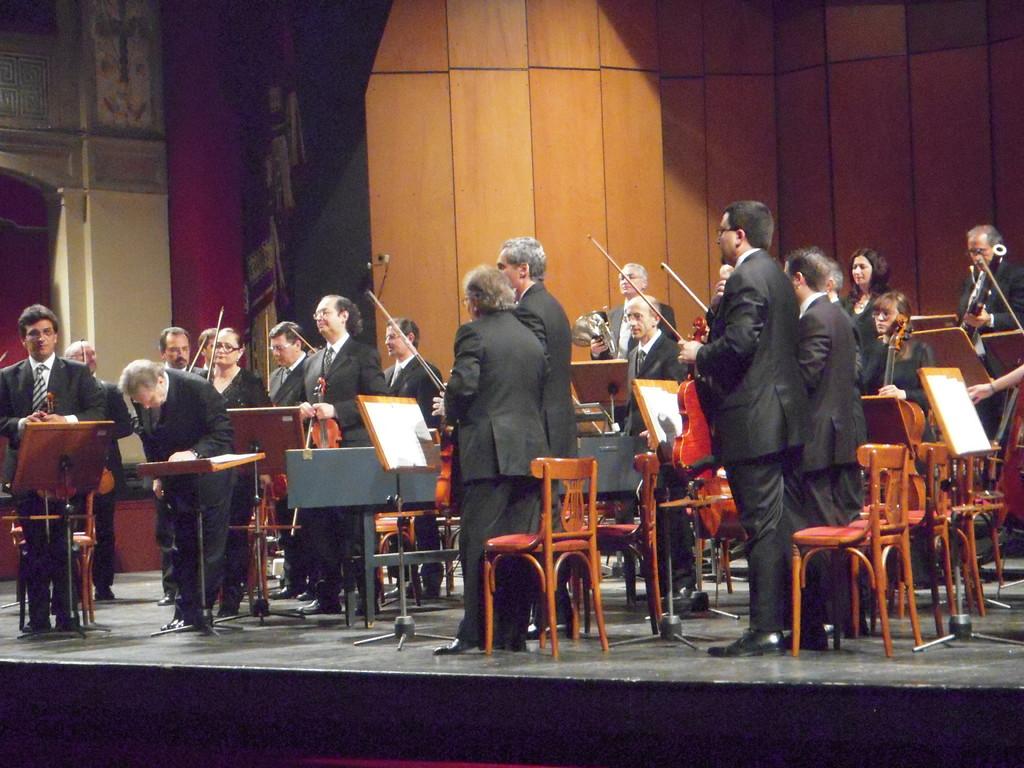 Orchestra Sinfonica Siciliana, dir. H. Soudant (sinfonie di Haydn) (2009)