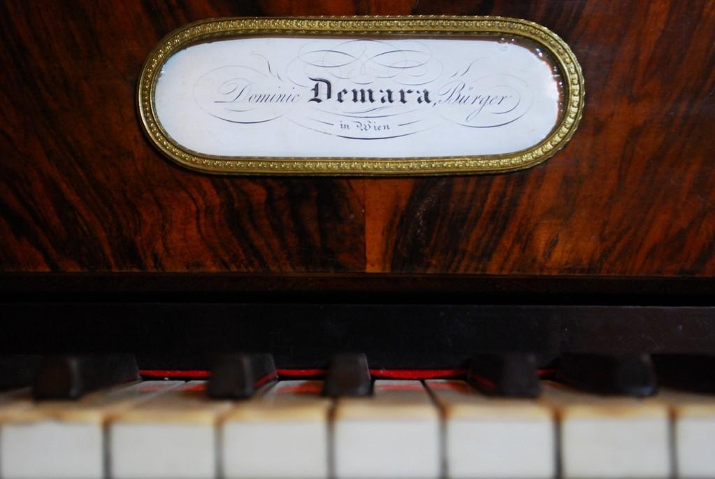 fortepiano D. Demara (Wien, c.a 1825)