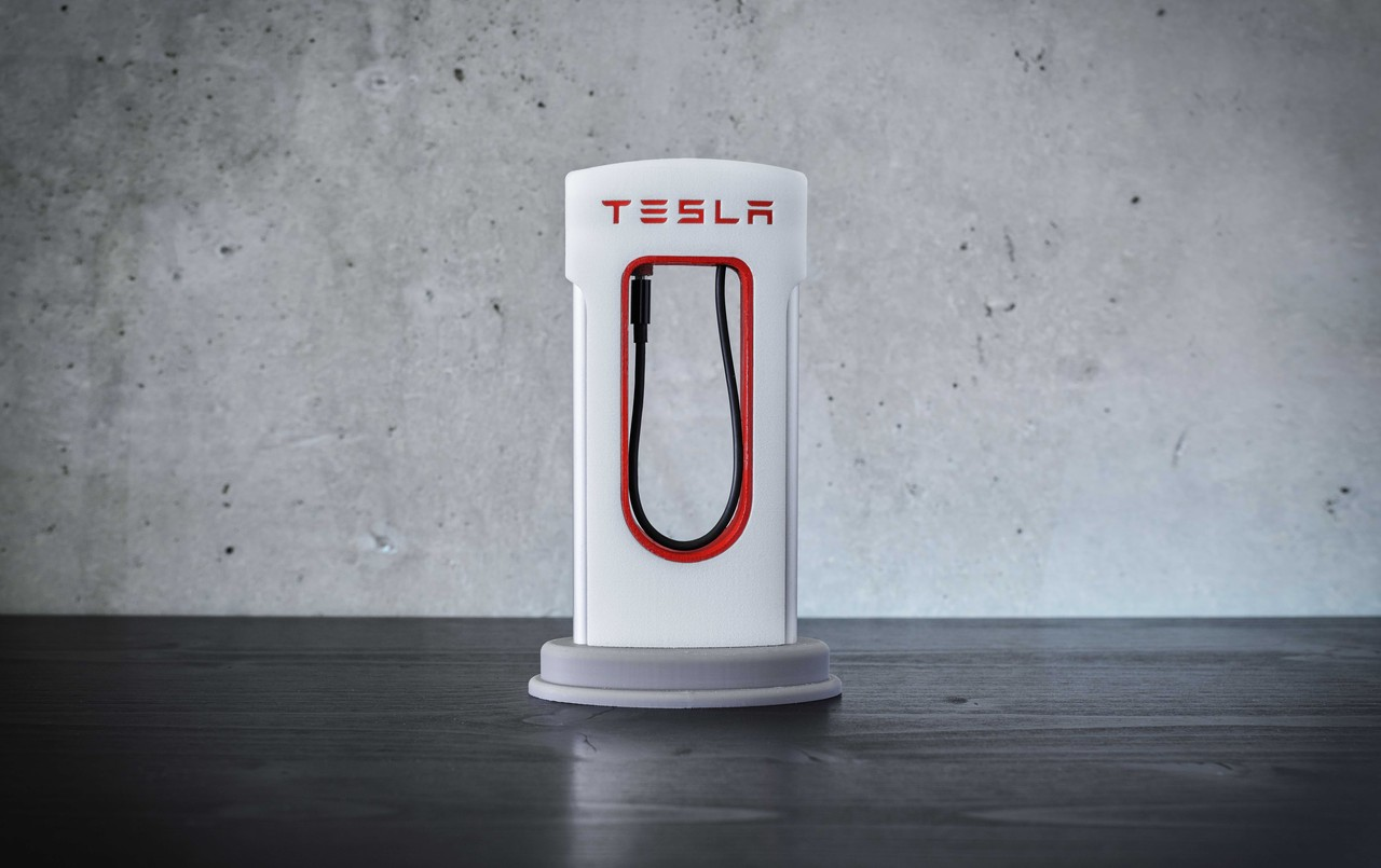 Tesla Motors Gadget, the Smartphone Supercharger for iPhone and Android - MySupercharger