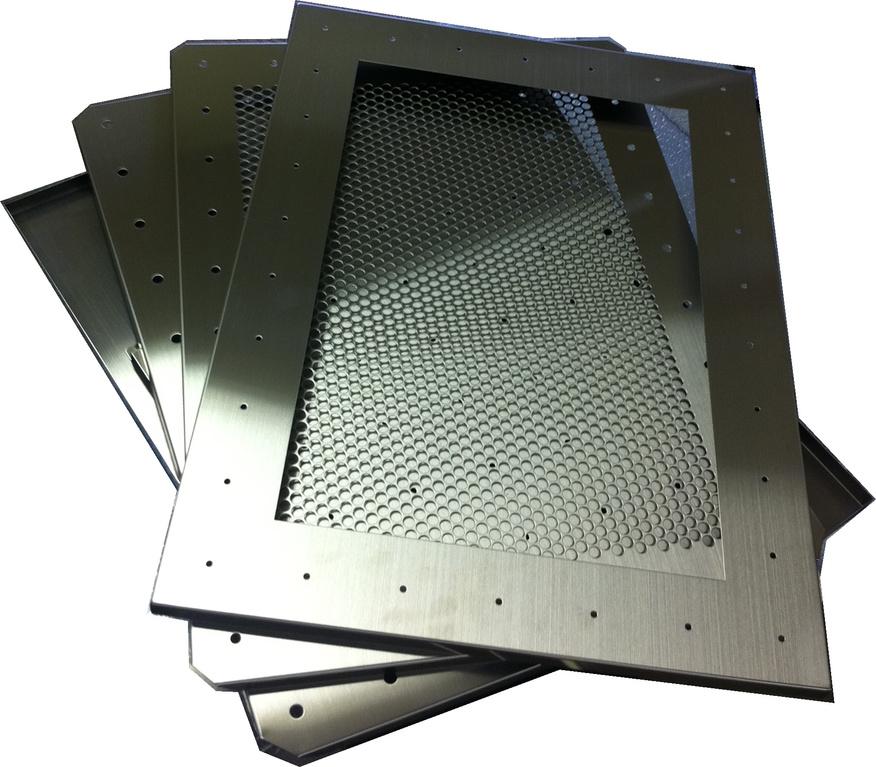 オプションのいたずら防止プレートを含めて、全4パーツで構成。