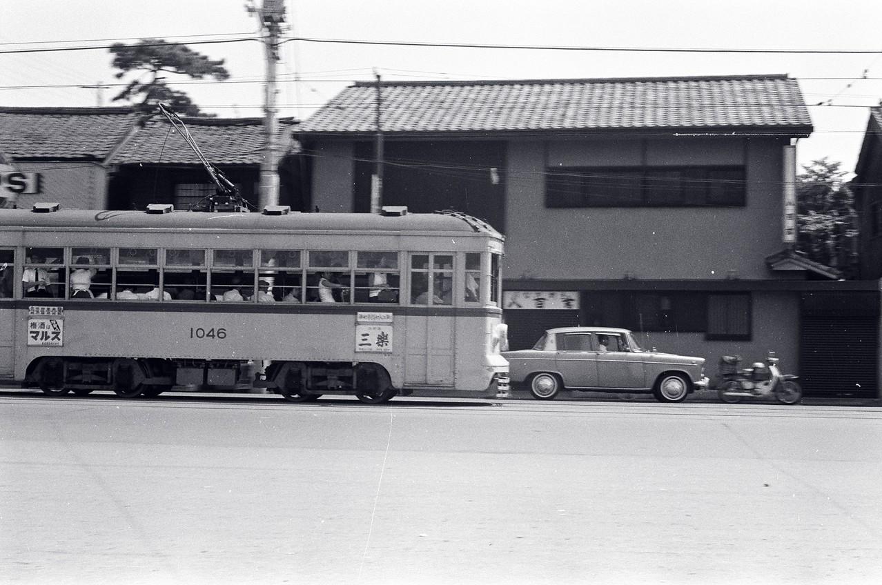 1966年 現目黒通り、白金台町~上大崎付近