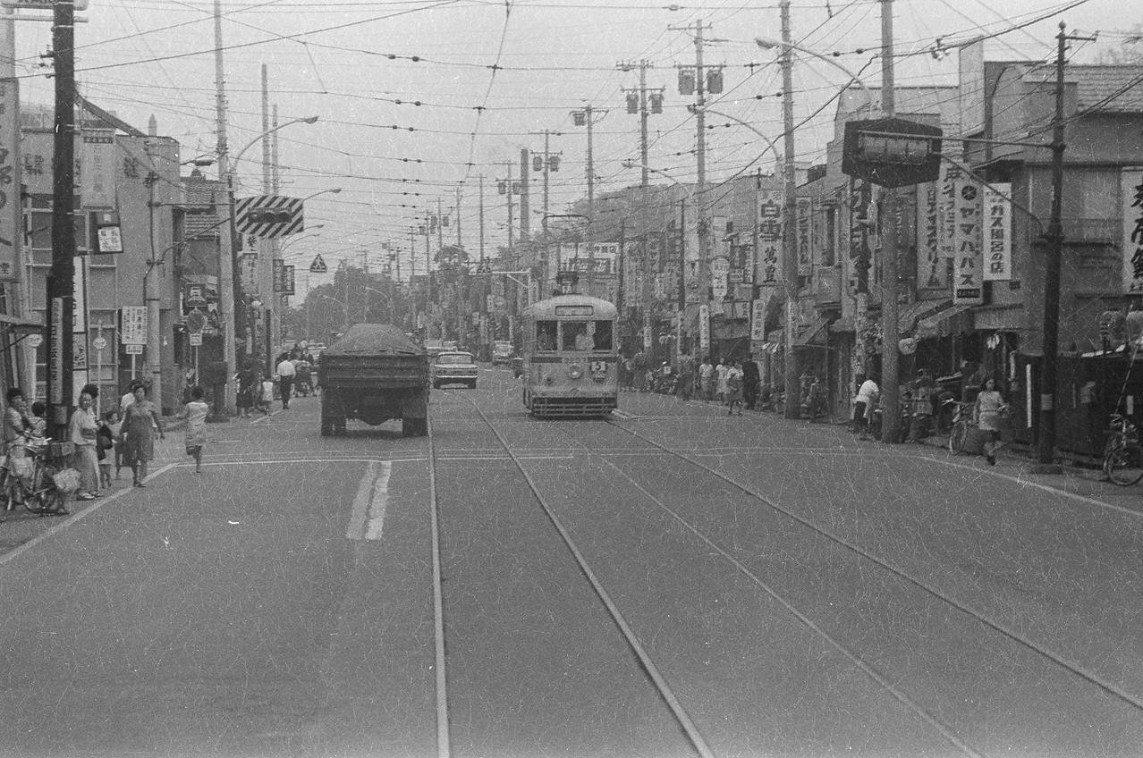 1967年 台町通り(現目黒通り) 白金台町停留所(白金台交差点)