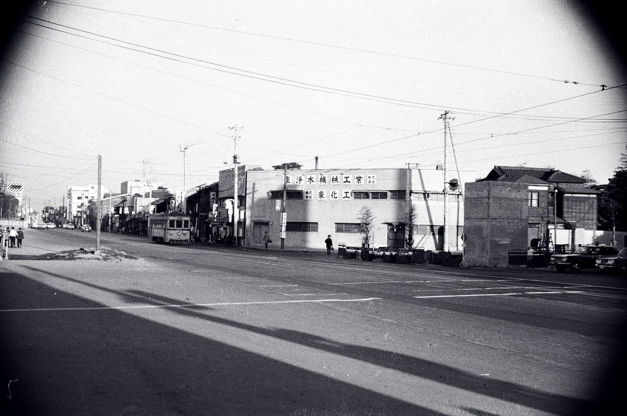1966年 まだ高速道路ができる前の上大崎交差点