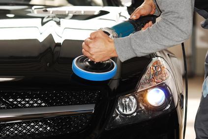 Erneuerung und Aufwertung Fahrzeuglack.