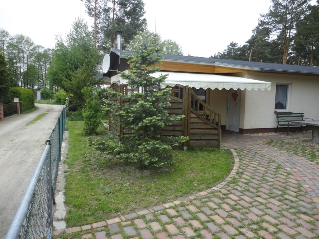 Blick zum Eingang Haus 61