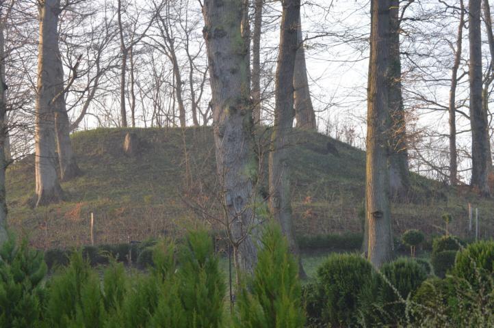Hünengrab aus der Bronzezeit, das Winterquartier der Kröten