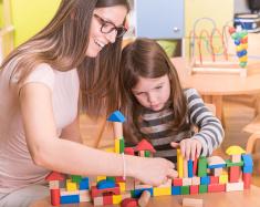 assistantes maternelles, crèche, petite enfance. Informations sur le village de labastide-rouairoux.