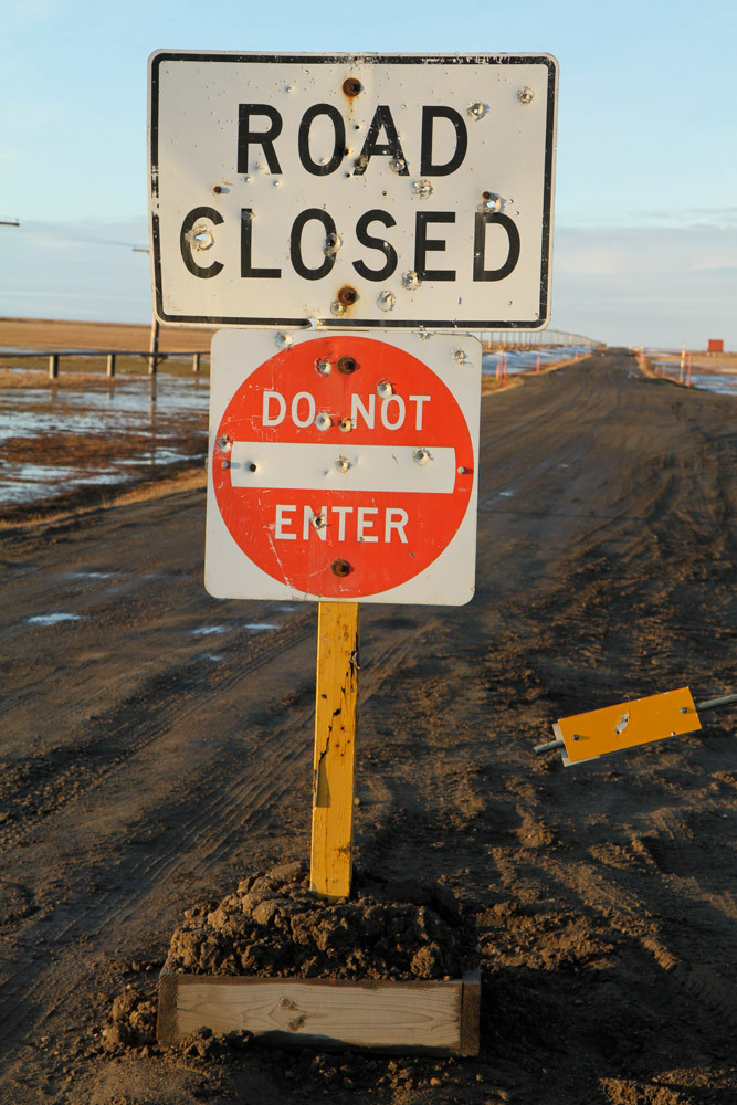 Barrow - Closed GasWell Road - we did enter ;) - Alaska 2013