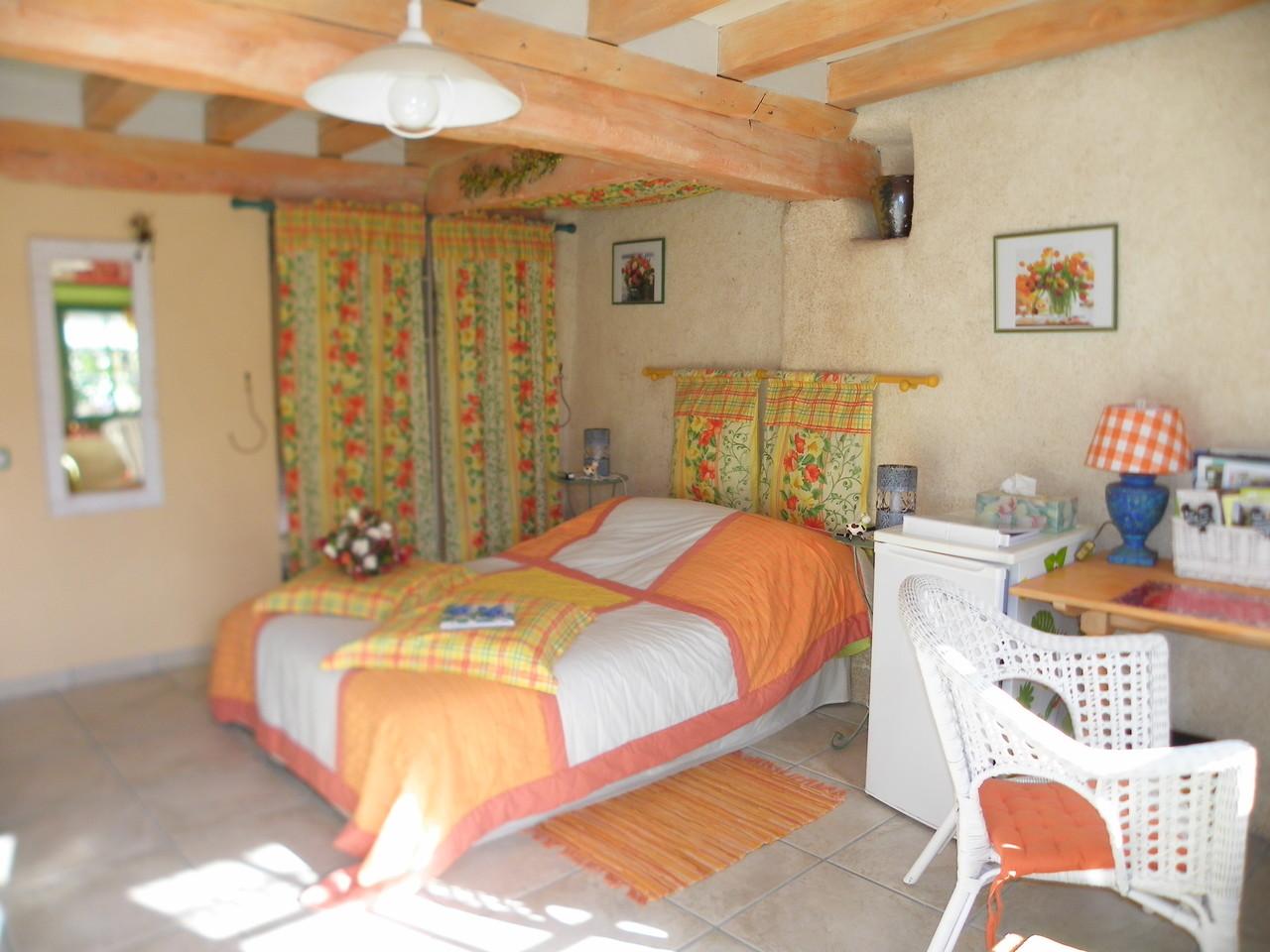 la chambre Mahonia est composée d'un lit double