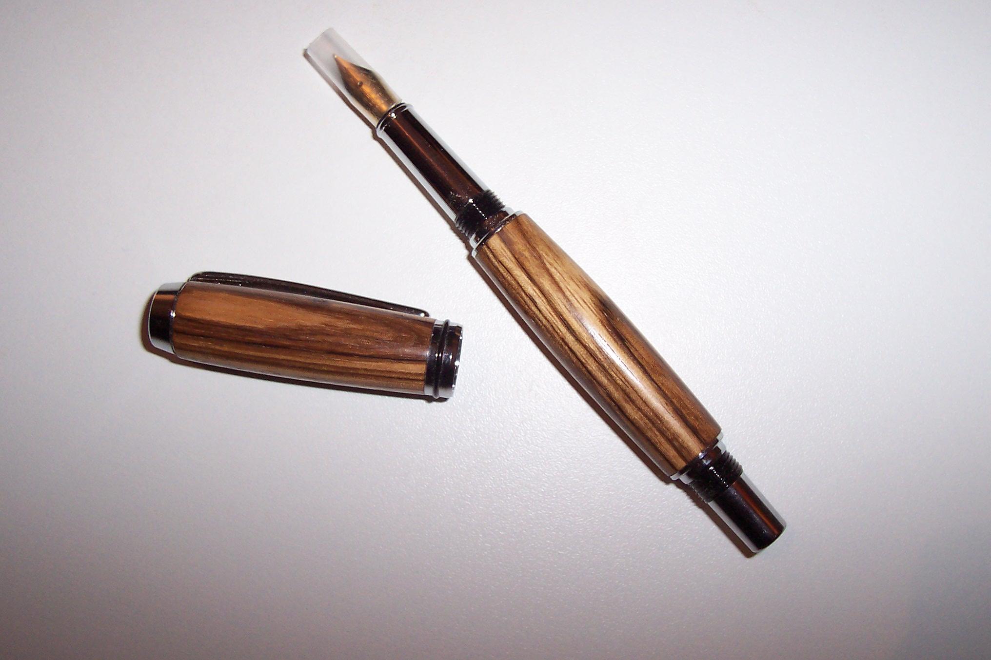 Füller aus Zebrano