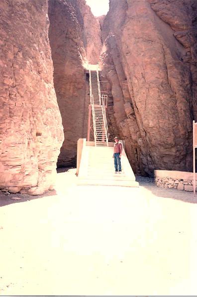 Tumba de Tutmosis III - Valle de los Reyes - Dankh