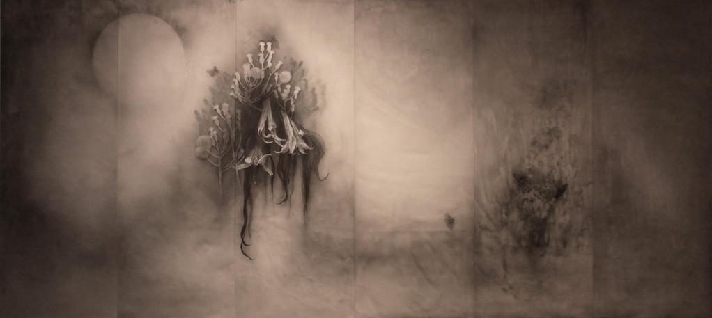 GENTOU #2, 2012  90×200×0.3cm  Kiln cast, Painted, Japanese ink, Silver leaf