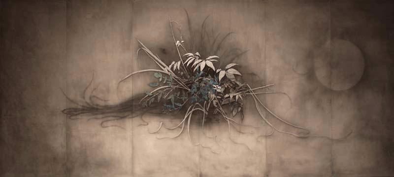 GENTOU, 2012  90×200×0.3cm  Kiln cast, Painted, Japanese ink, Silver leaf