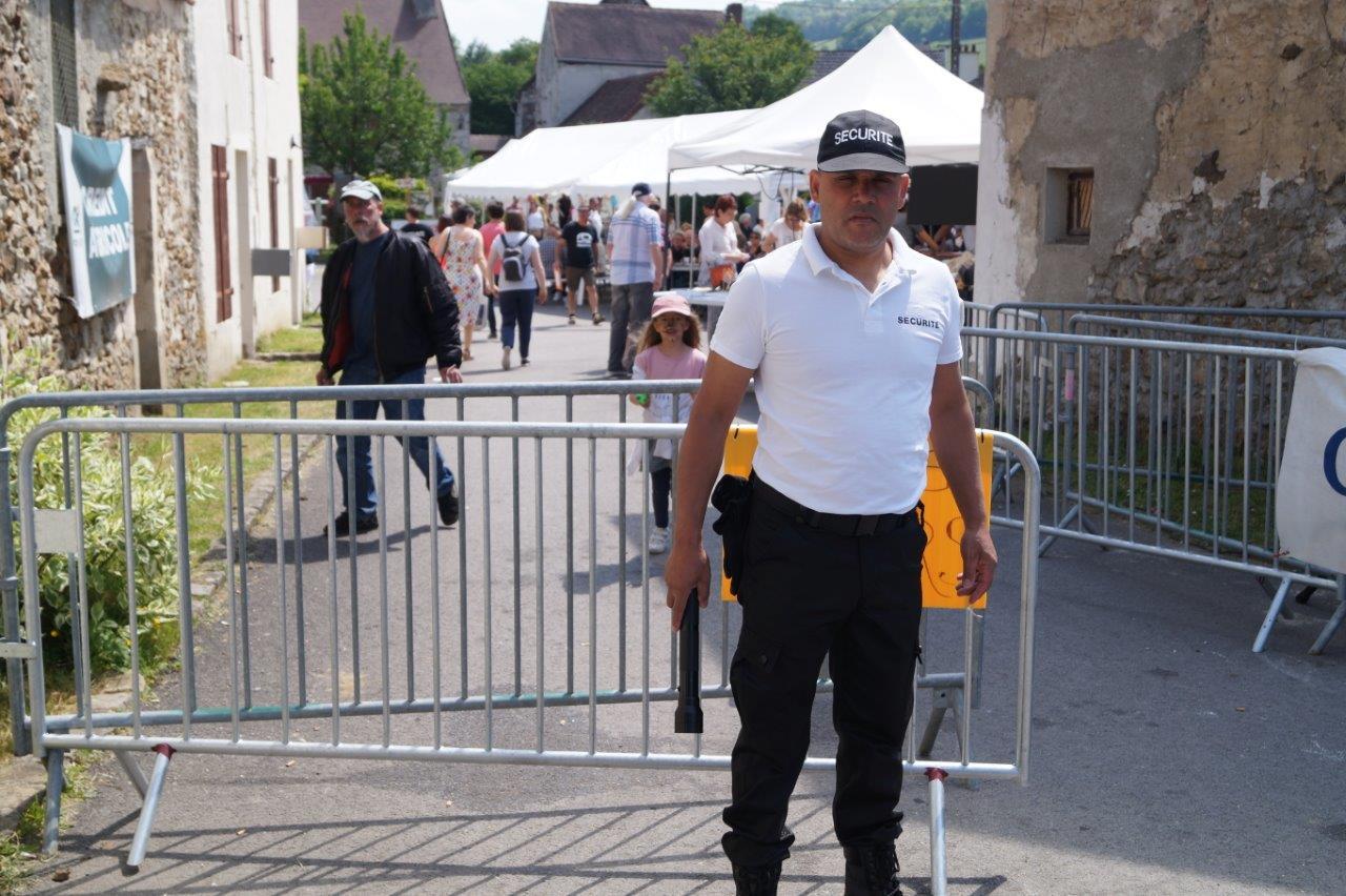 Adhérent de l'ACPV, Mohamed Damiche a rassuré, lui aussi, le public entrant.