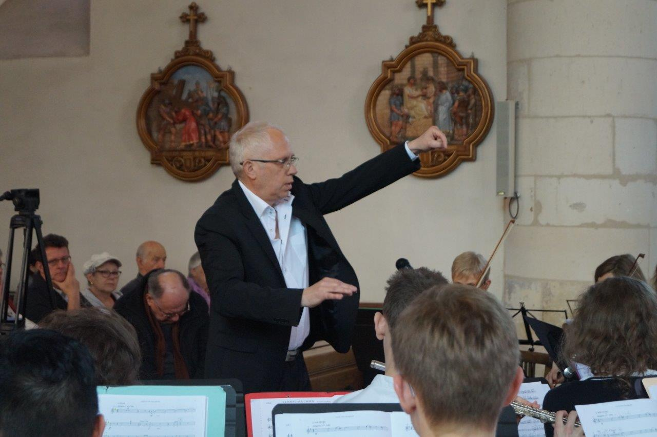 Les formations de l'Ecole de musique de Crézancy/Jaulgonne sont dirigées par José Luton ...
