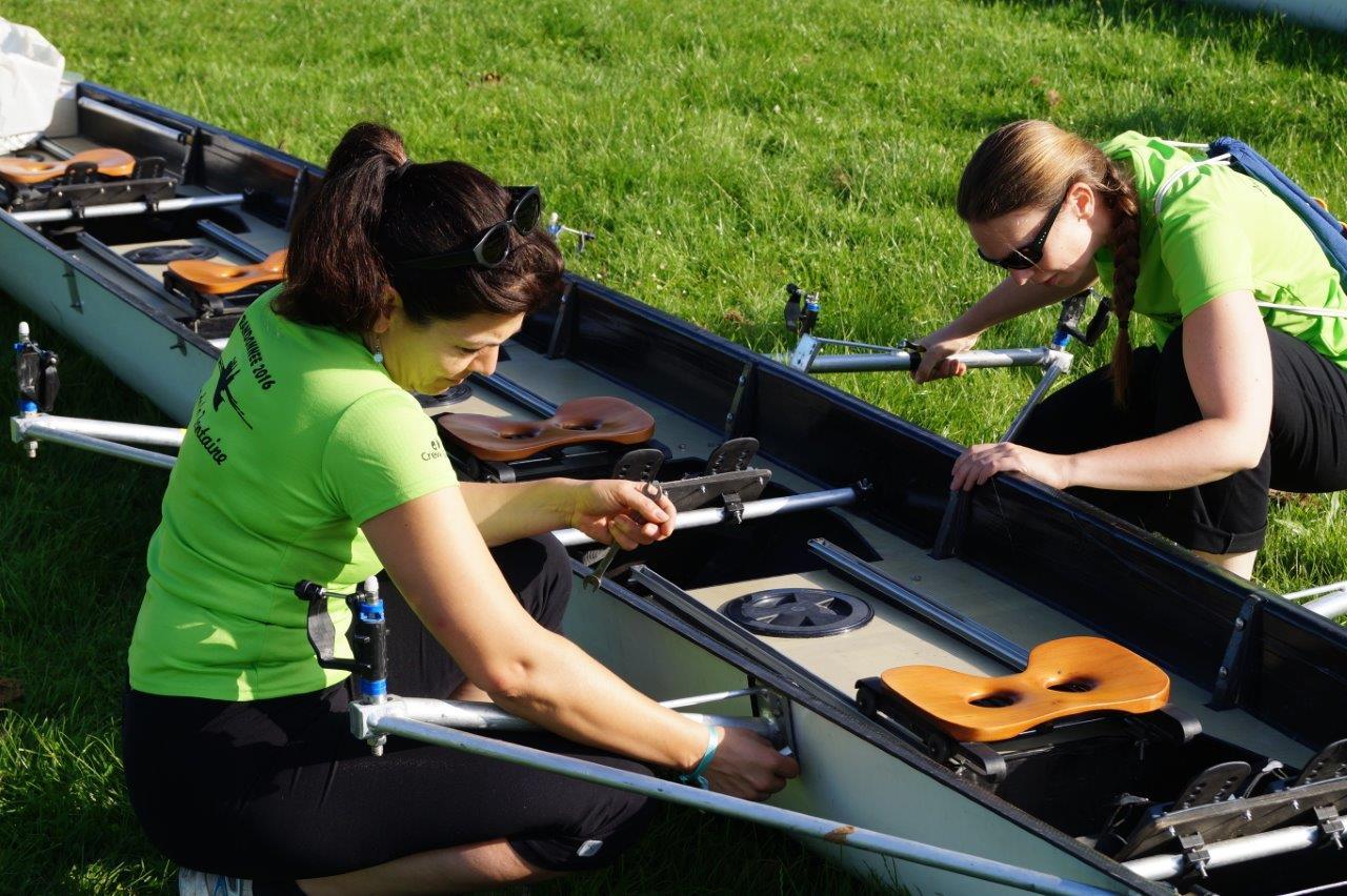 Les femmes pratiquent énormément l'aviron. Un sport pas trop physique qui permet d'admirer la nature au fil de l'eau.