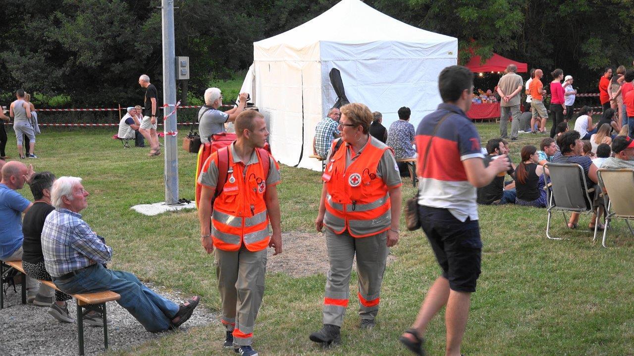 2 équipiers secouristes de la Croix Rouge (unité locale de Château-Thierry) ont veillé sur les festivaliers.