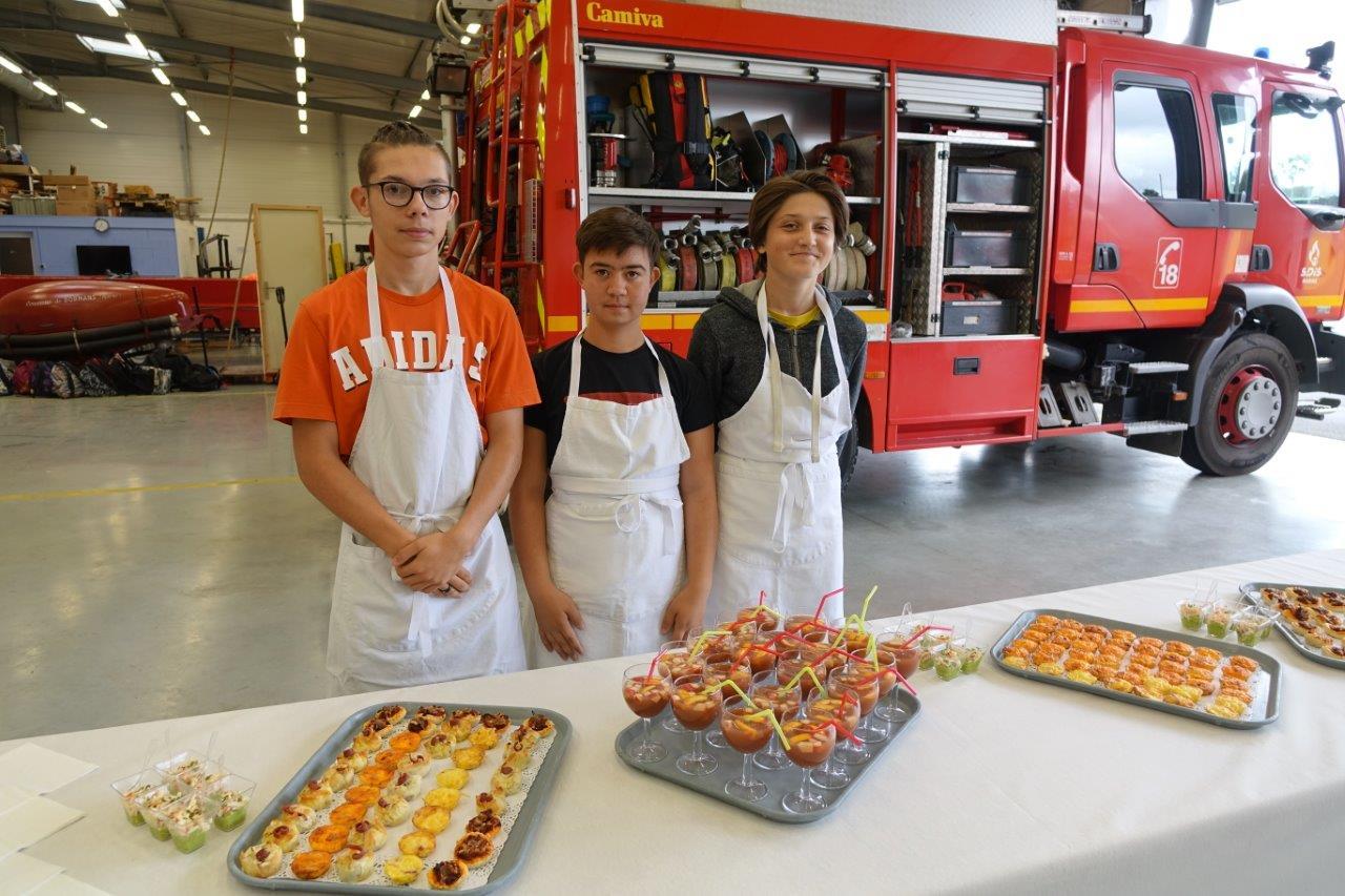 Les élèves de la classe de 3ème A de la SEGPA ont préparé un buffet plein de couleurs et de saveurs...