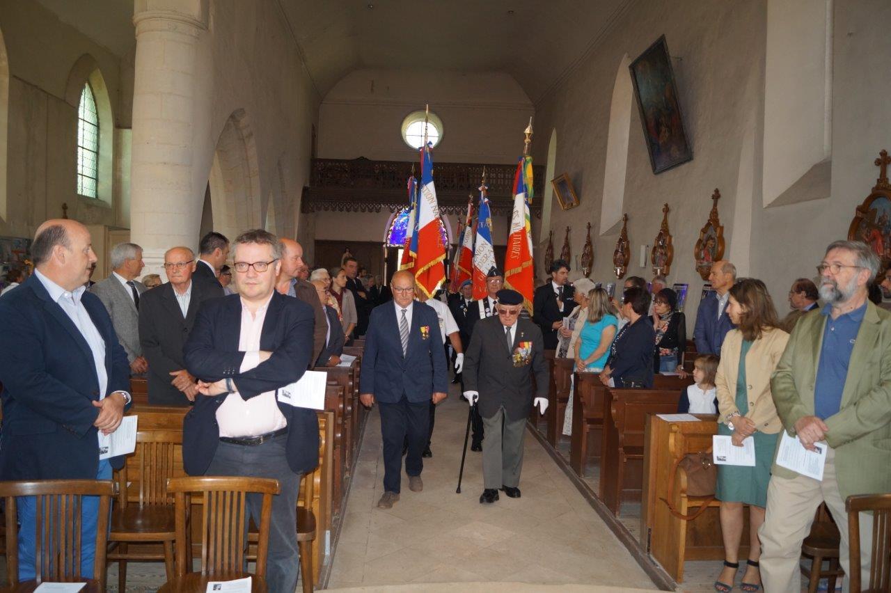Les portes drapeaux de l'Association nationale des porte-drapeaux, anciens combattants et vétérans de France sont venus en nombre...