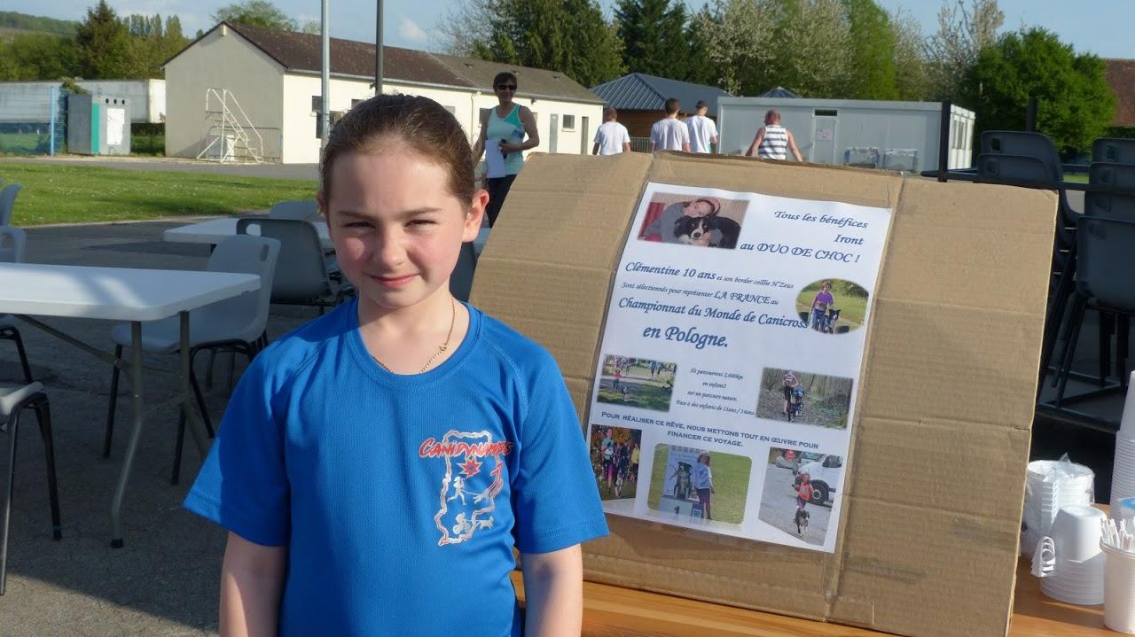 Agée de 11 ans, Clémentine participe désormais aux compétitions de canicross en catégorie Enfant 2 (11-14 ans).