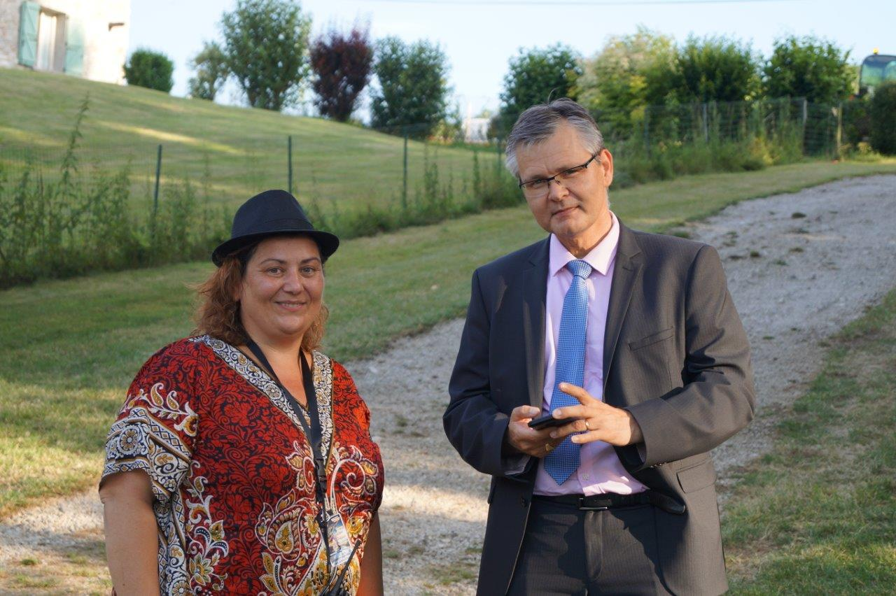 A gauche : Céline Larose en compagnie du sous-préfet Ronan Léaustic.