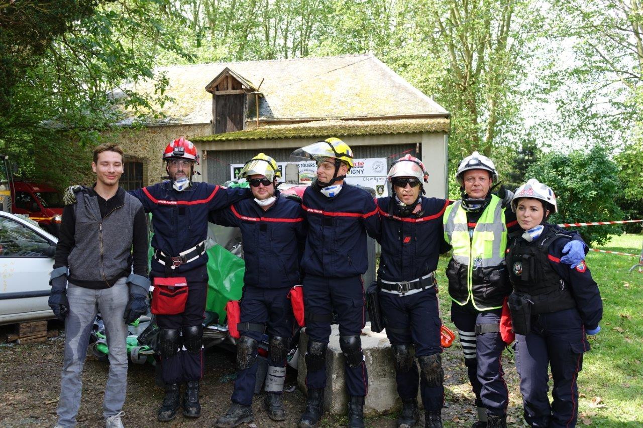 Pour leur première participation, les Tôliers 51 ont terminé 16ème sur 22 équipes lors du challenge national sapeurs-pompiers 2019, épreuve de désincarcération de secours d'urgence...
