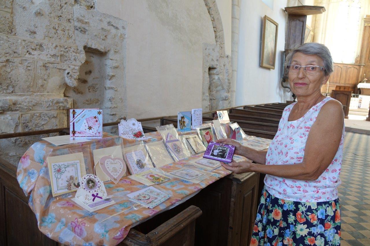 Monique Morel expose ses cartes pour la première fois à Artonges.