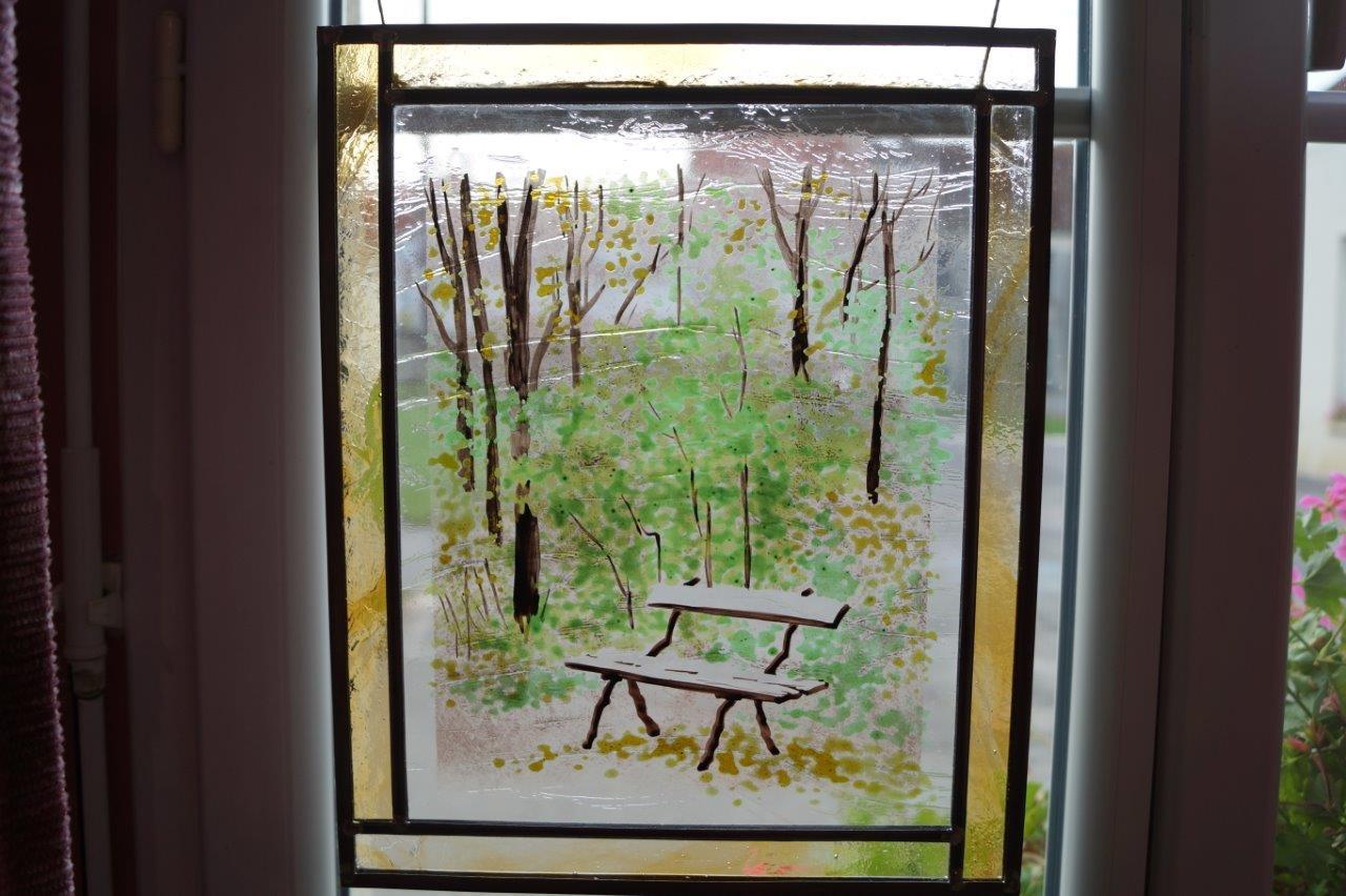 Anne Ripeau (vitrail : émaux, plomb, verre laminé).