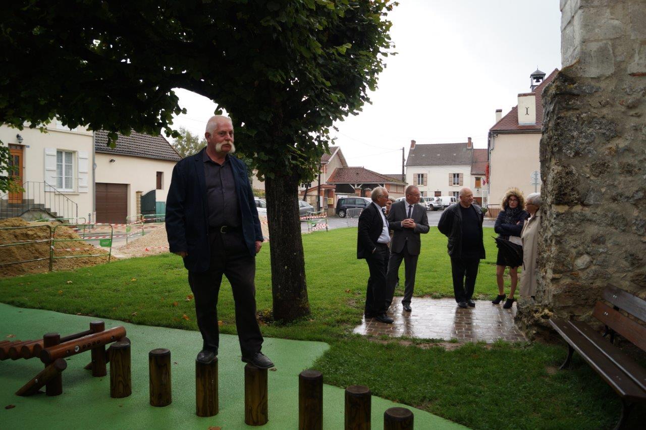 Jean-Luc Vincent, conseiller municipal breuillois, est un grand enfant...