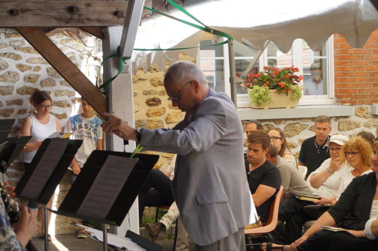 José Luton est le directeur de l'école intercommunale de musique de Crézancy et son antenne de Jaulgonne.
