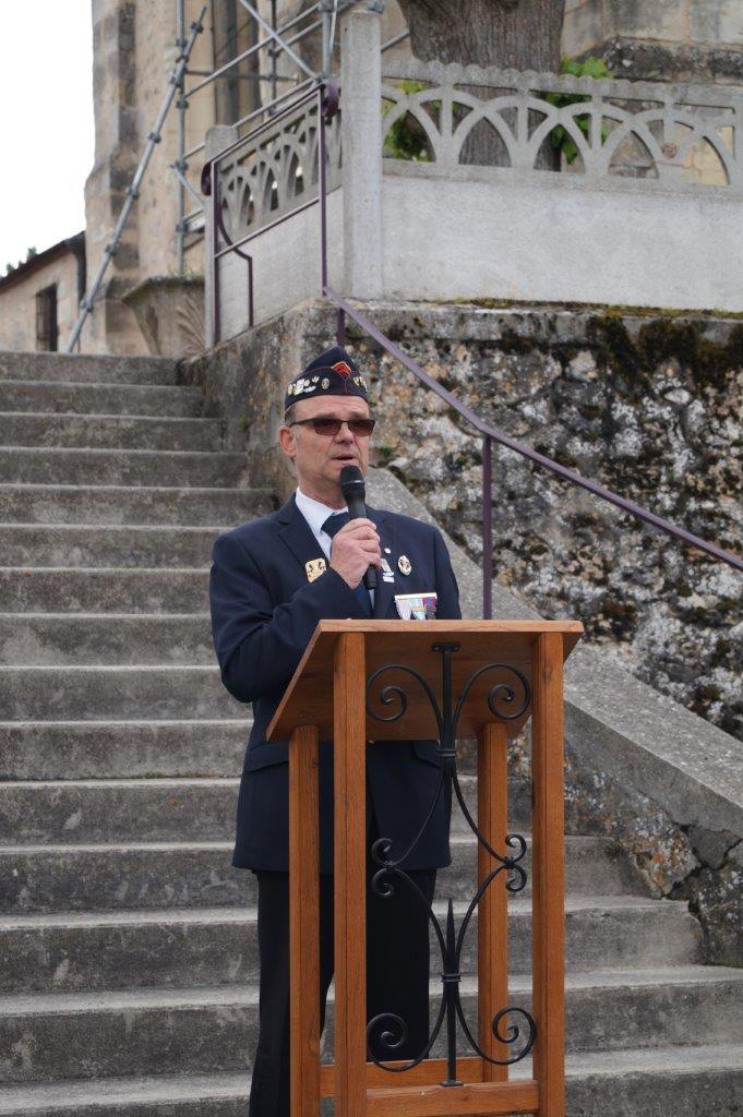 Comme à l'habitude, Marcel Dartinet, adjoint au maire de Vallées-en-Champagne, est le maître de cérémonie.