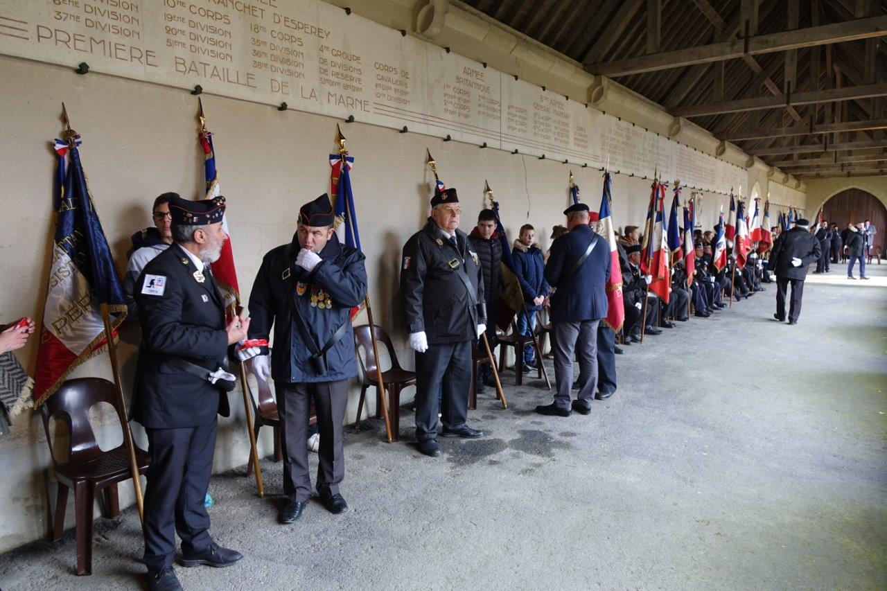 Le cloître a accueilli une forte délégation de porte-drapeaux et anciens combattants.