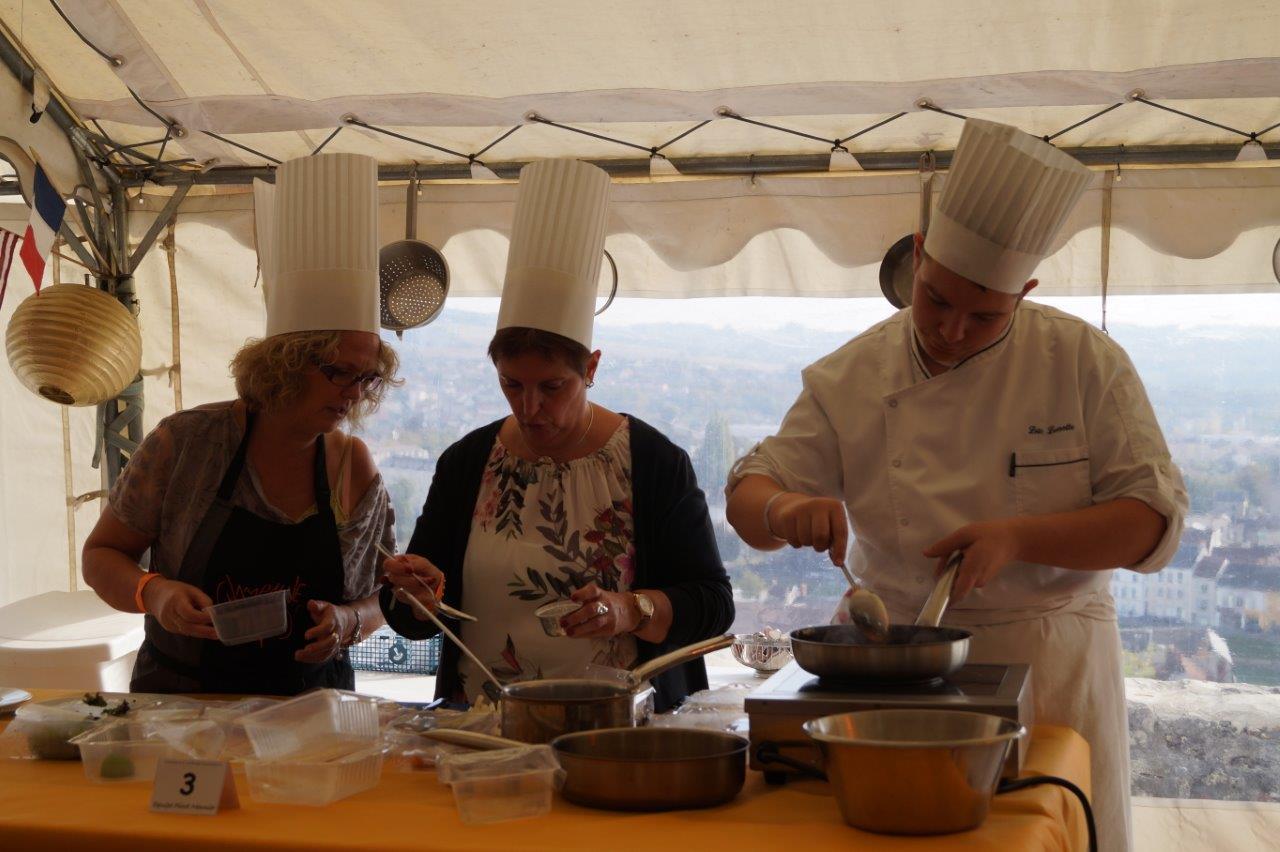 Initié par le lycée hôtelier Saint-Joseph de Château-Thierry, le concours culinaire rassemble quatre pays : Belgique, Espagne, France et Portugal.