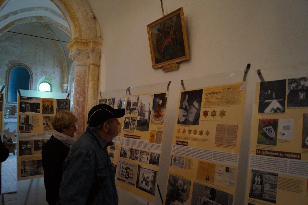 L'église Saint-Barthélemy accueille l'exposition de l'Office national des anciens-combattants et victimes de guerre sur les signes de la collaboration et de la résistance.