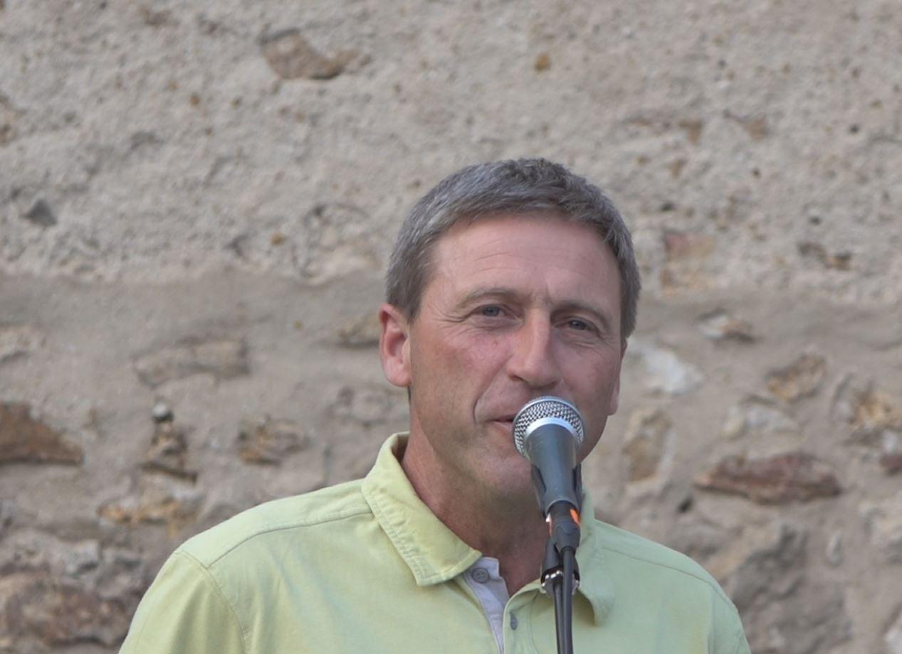 Jean-Yves Roulot, maire délégué de La Chapelle-Monthodon, a accueilli le public par une belle soirée d'été.