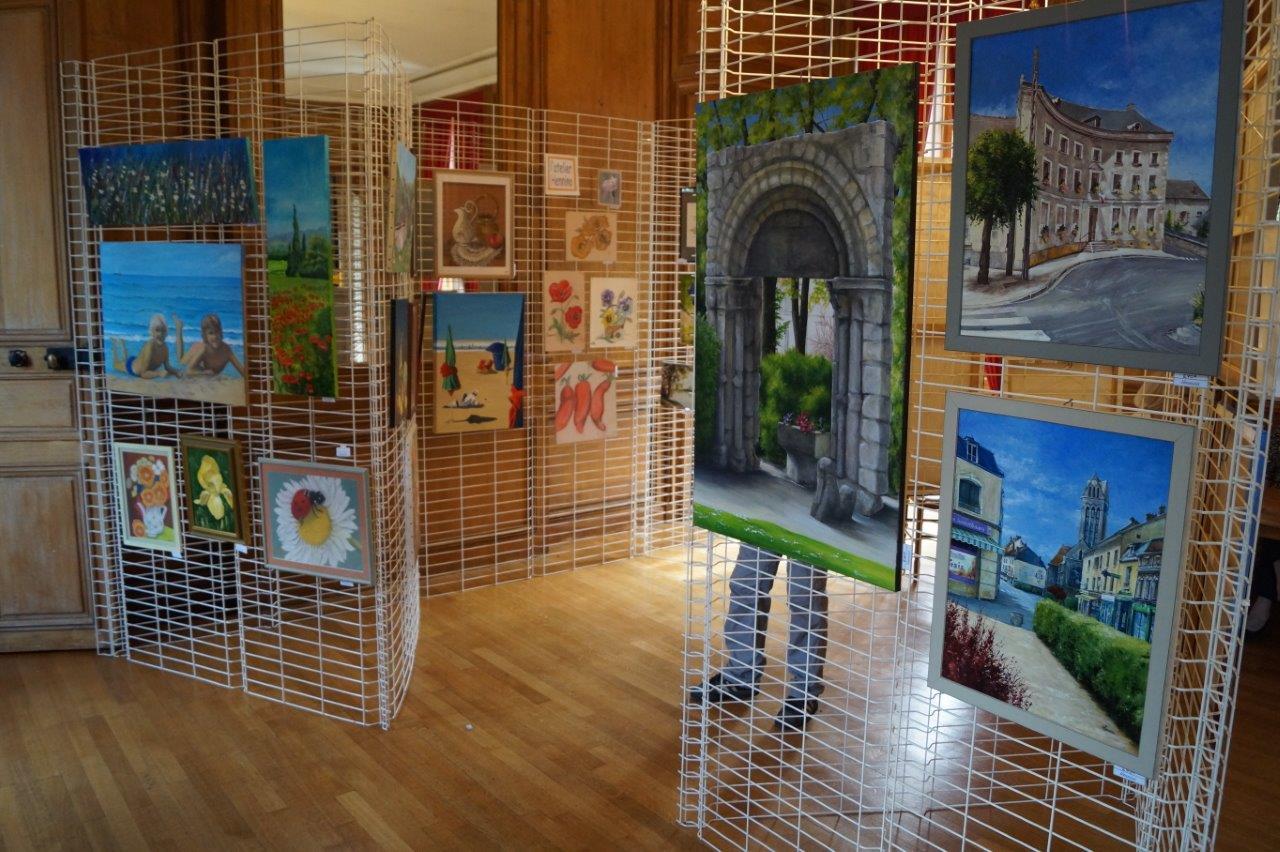 L'atelier dormaniste Hennino a accroché ses toiles pour le plus grand plaisir du public.