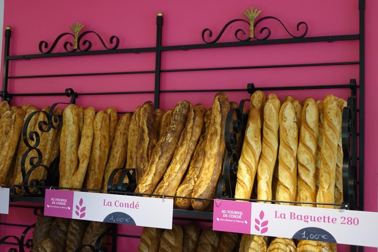La Condé graines, la Condé faible et forte cuisson et la Baguette 280 font partie de l'assortiment de pain proposé par le fournil de Condé.