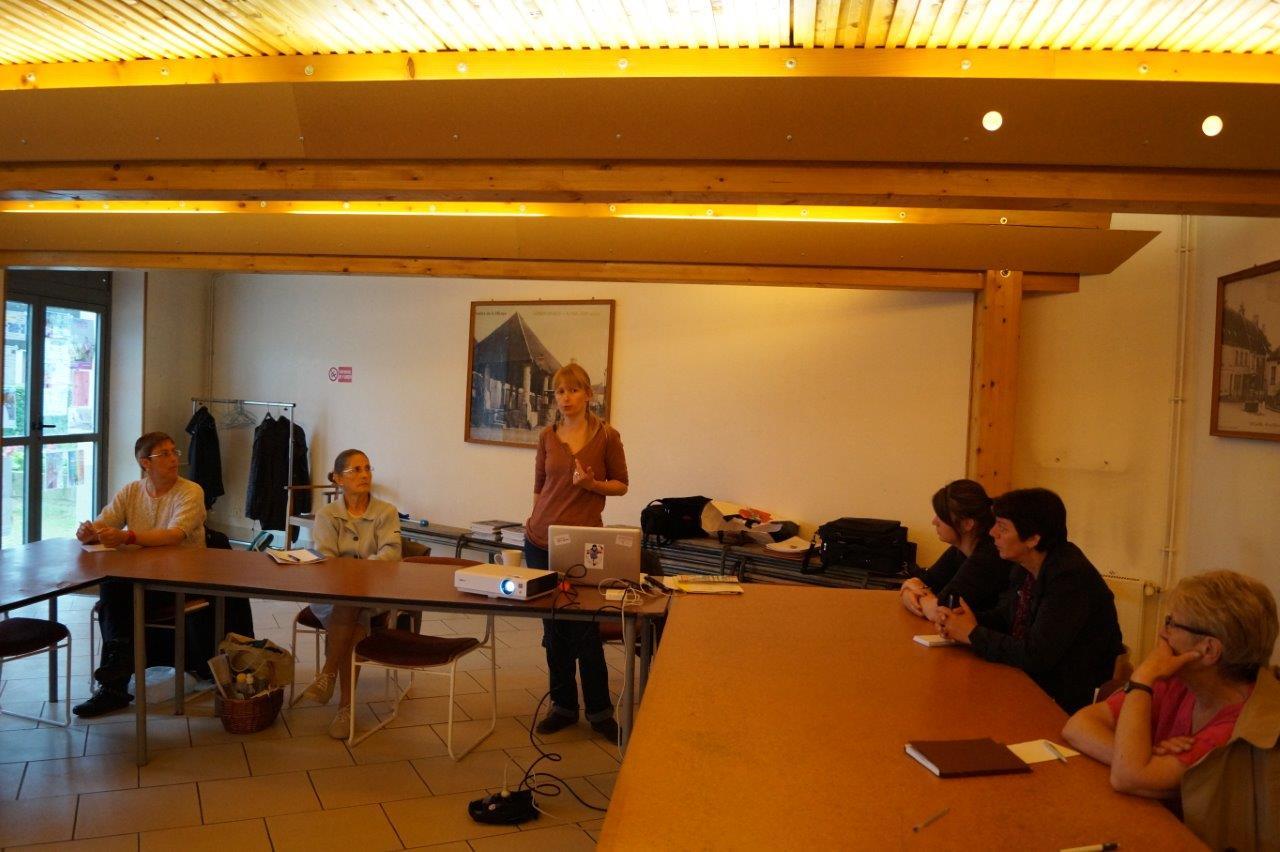 Stéphanie Cormier du CPIE des Pays de l'Aisne a animé l'atelier devant une assistance trop peu nombreuse...