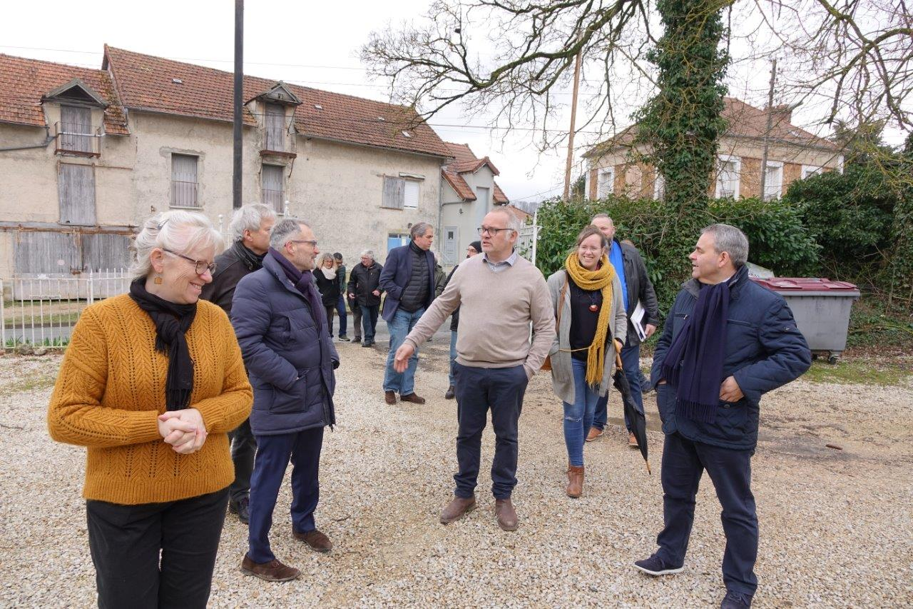 Fanny et Bertrand  Fagot, des Canardises des 3 Vallées, ont accueilli Xavier Bertrand...