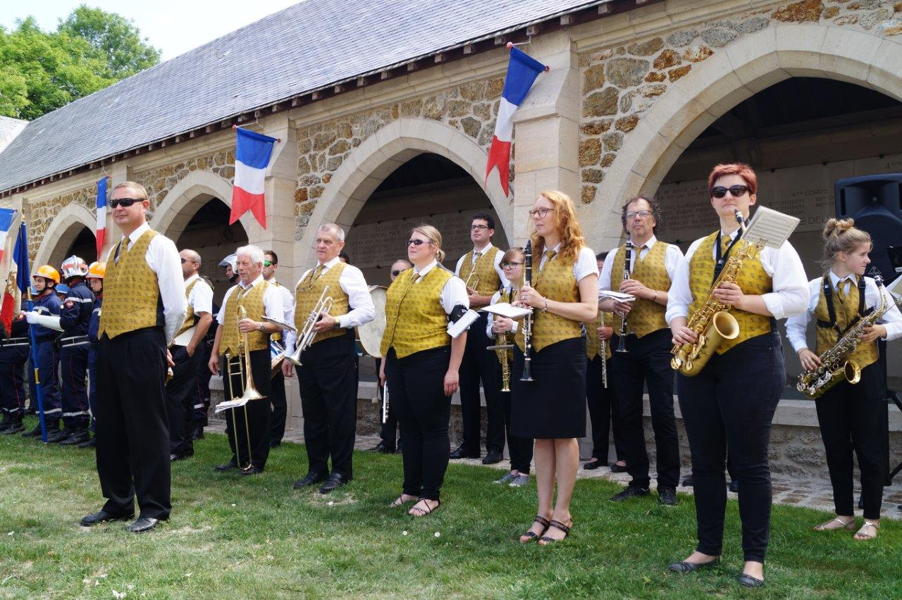 La Musique municipale de Dormans dirigée par Grégory Veignie.