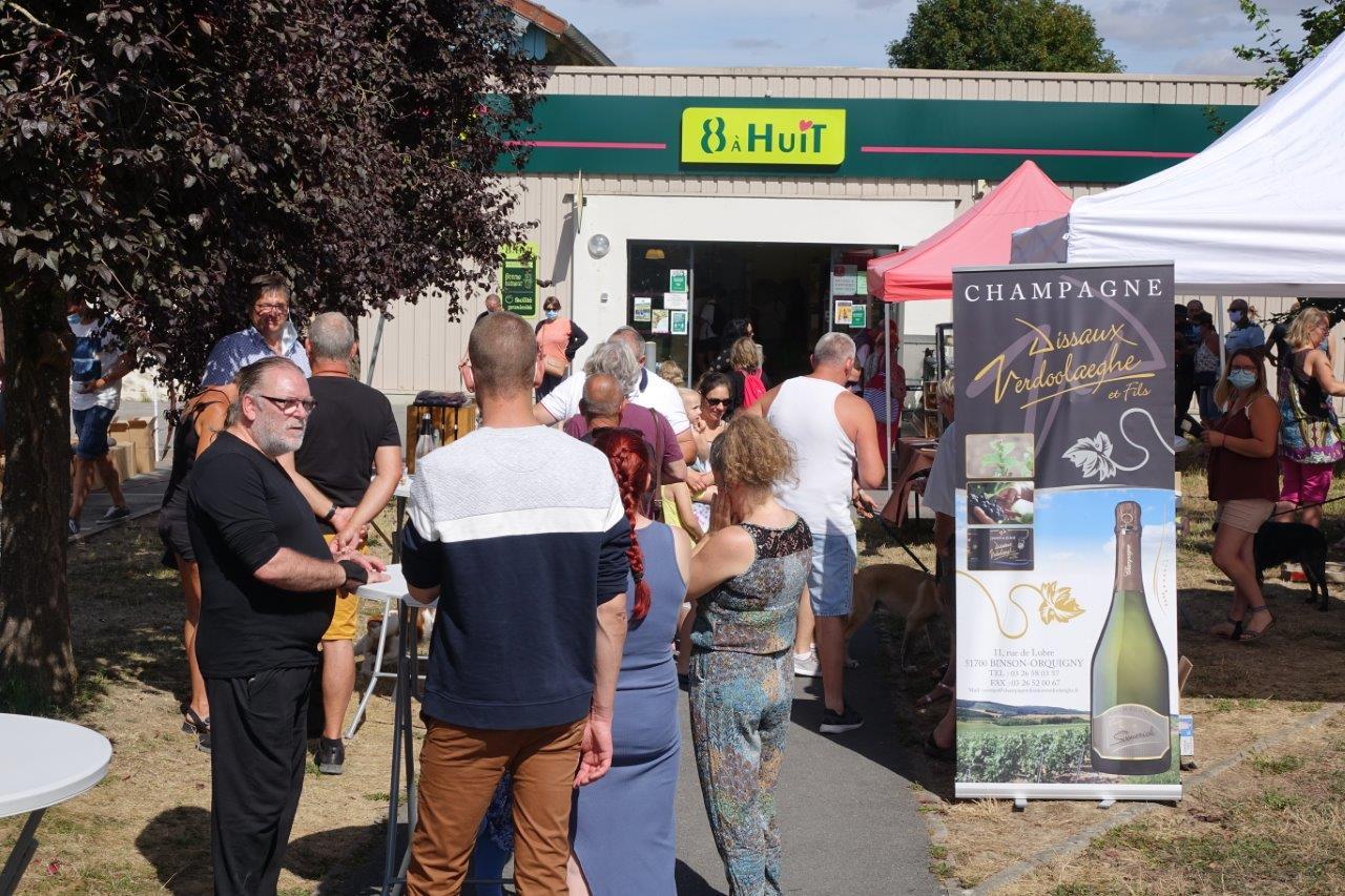 Le producteur Dissaux Verdoolaeghe et fils, de Binson-et-Orcquigny dans la Vallée de la Marne, proposait une pause effervescente.