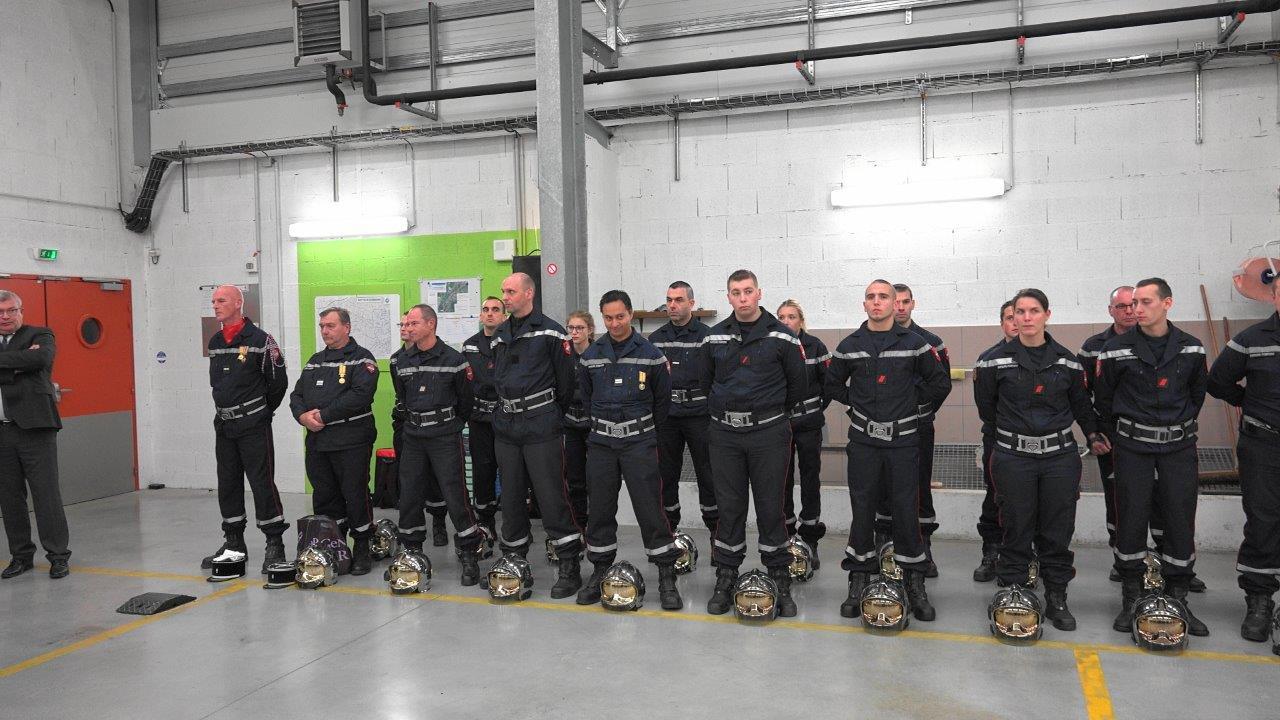 Le centre de secours de Dormans compte 1 infirmière et 37 pompiers volontaires...