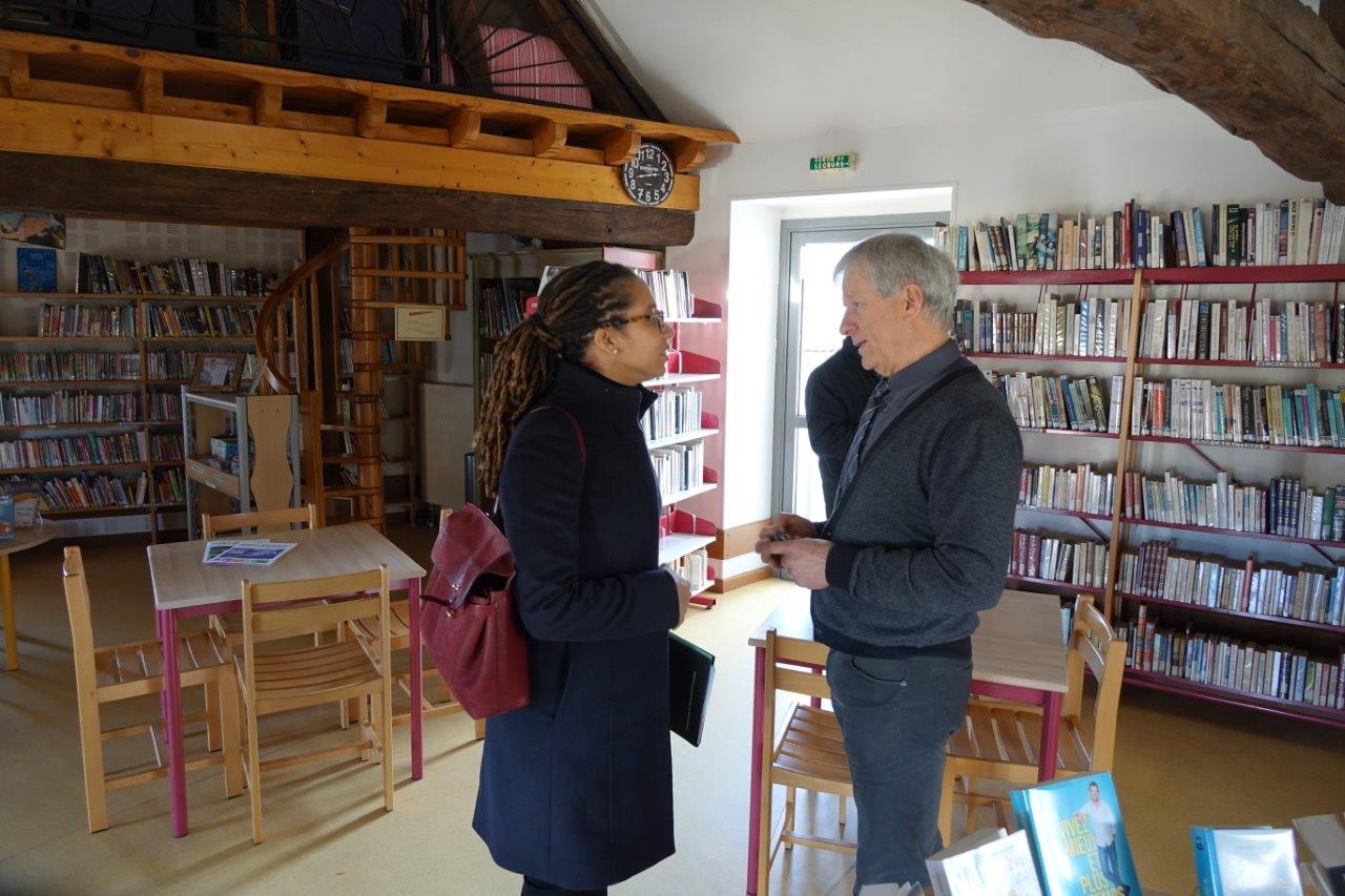 Ouverte le mercredi et le samedi, le bibliothèque municipale est pilotée par des bénévoles de la commune.
