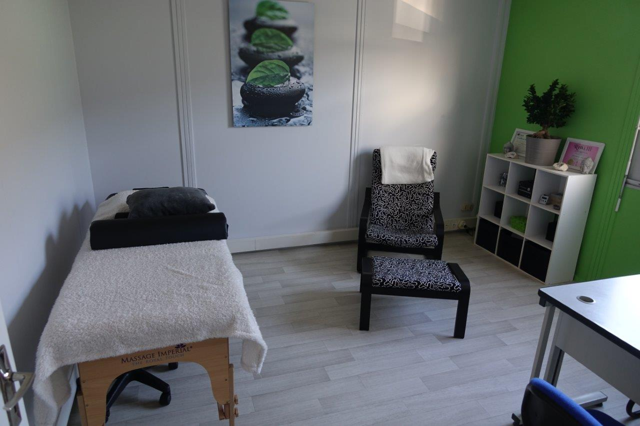 L'activité de sophrologue est exercée dans un bureau en toute confidentialité.
