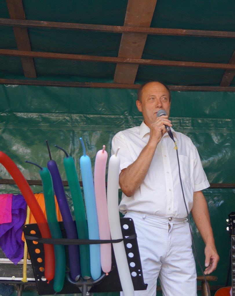 Bernard Honoré souhaite la bienvenue aux habitants de Connigis et des communes voisines.