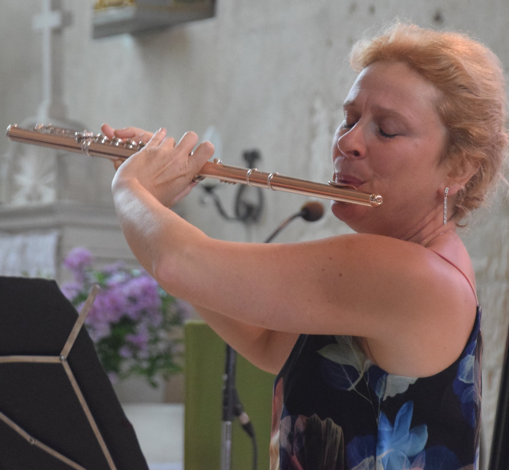 A la flûte : Christel Rayneau.