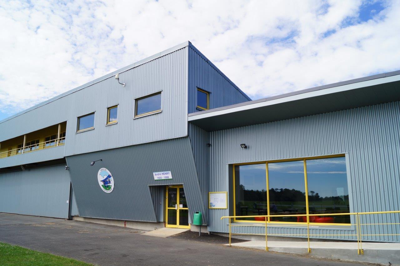 Le Club House de l'aéroclub de Château-Thierry : un équipement moderne et spacieux.