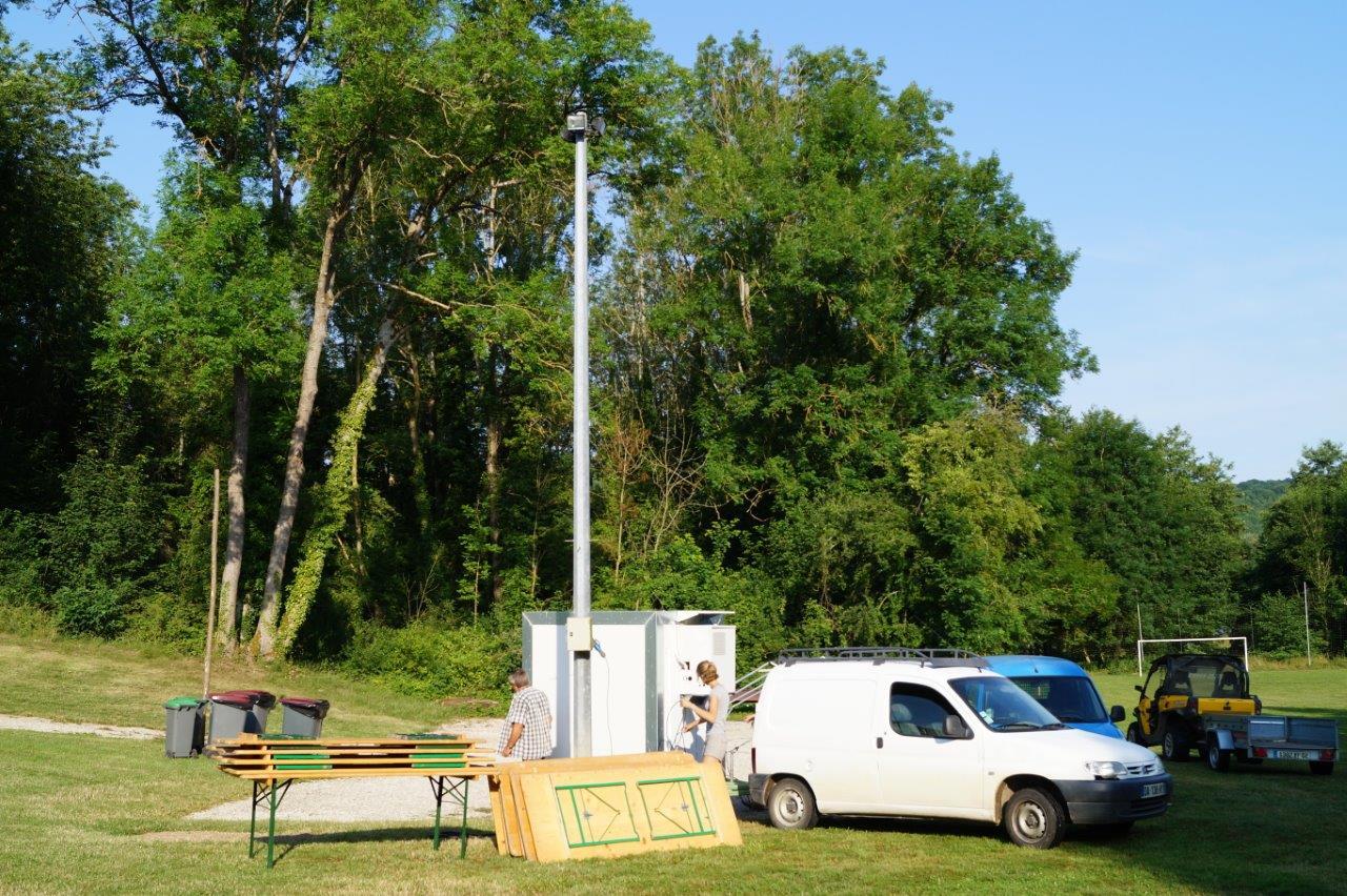 Vendredi 7 juillet, les organisateurs valcampaniens ont aménagé le site dès potron minet...